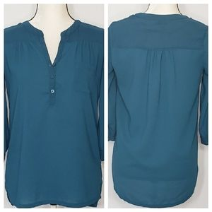 KUT from the kloth hi lo buttoned down blouse XS